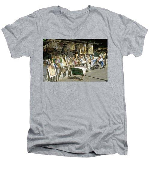 Paris Bookseller Stall Men's V-Neck T-Shirt