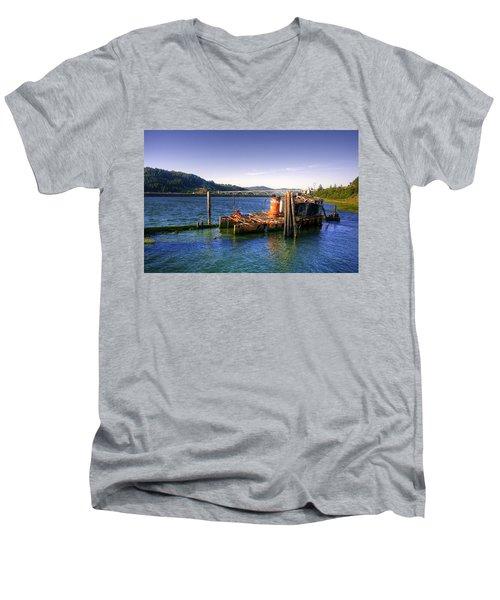 Patterson Bridge Oregon Men's V-Neck T-Shirt