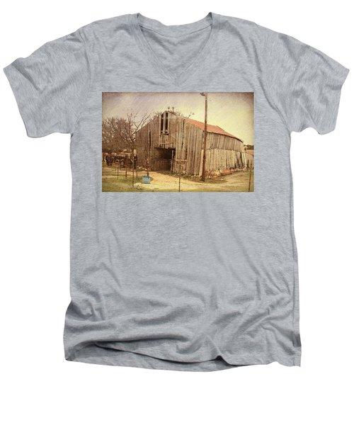 Men's V-Neck T-Shirt featuring the photograph Paul's Barn by Susan Crossman Buscho