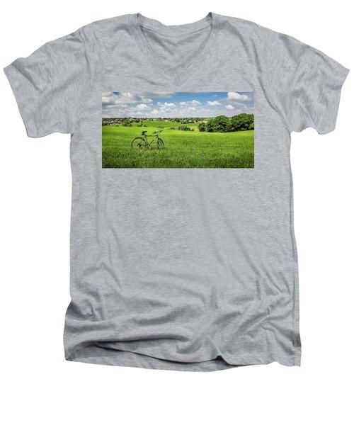 Pays De Herve Men's V-Neck T-Shirt