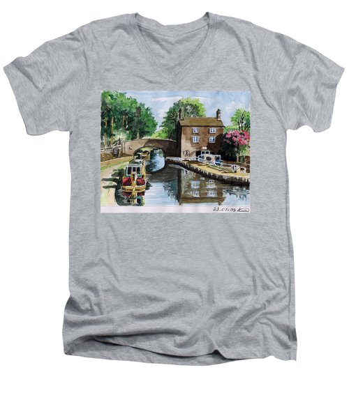 Peacfull House On The Lake Men's V-Neck T-Shirt