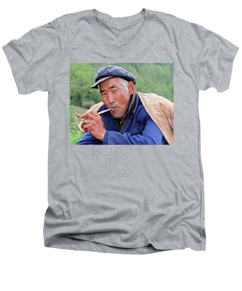 Peasant Farmer Men's V-Neck T-Shirt