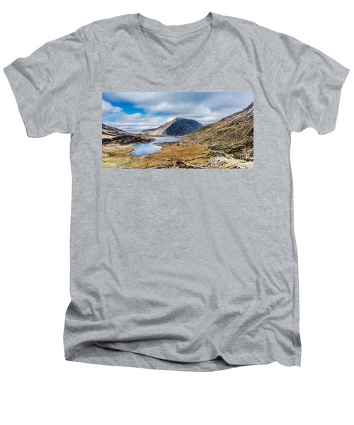 Men's V-Neck T-Shirt featuring the photograph Pen Yr Ole Wen by Nick Bywater