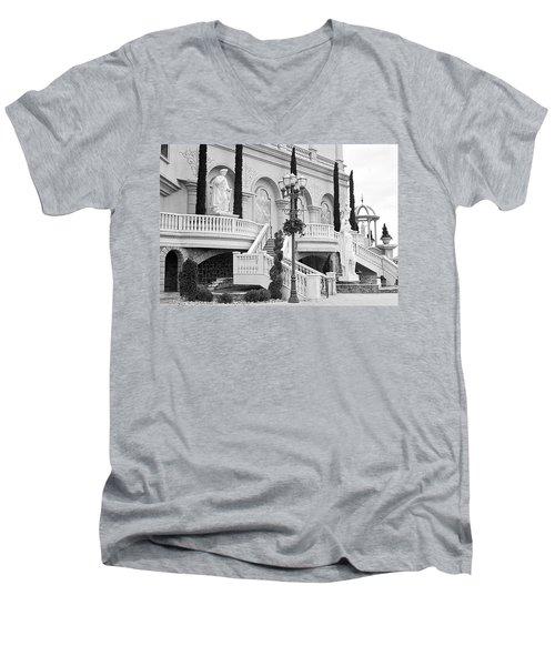Peppermill Casino Garden Men's V-Neck T-Shirt