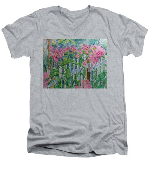 Perky Pink Phlox In A Dahlonega Garden Men's V-Neck T-Shirt