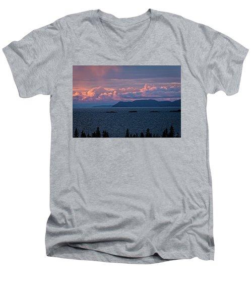 Pic Island Men's V-Neck T-Shirt