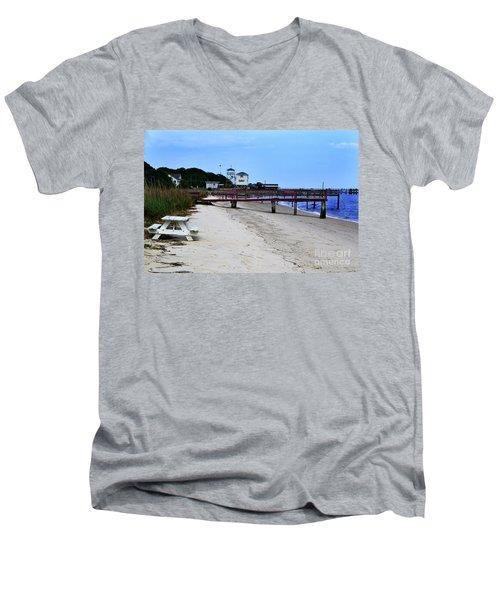 Pink Pier Southport, North Carolina Men's V-Neck T-Shirt