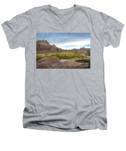 Pinnacles Of The Badlands Men's V-Neck T-Shirt