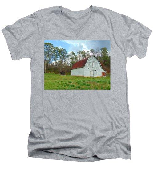Pinson Farm Barn Men's V-Neck T-Shirt