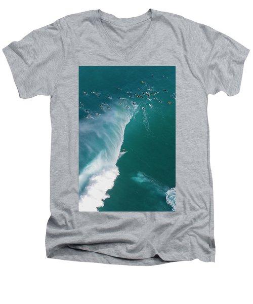 Pipe Tube Overvew Men's V-Neck T-Shirt