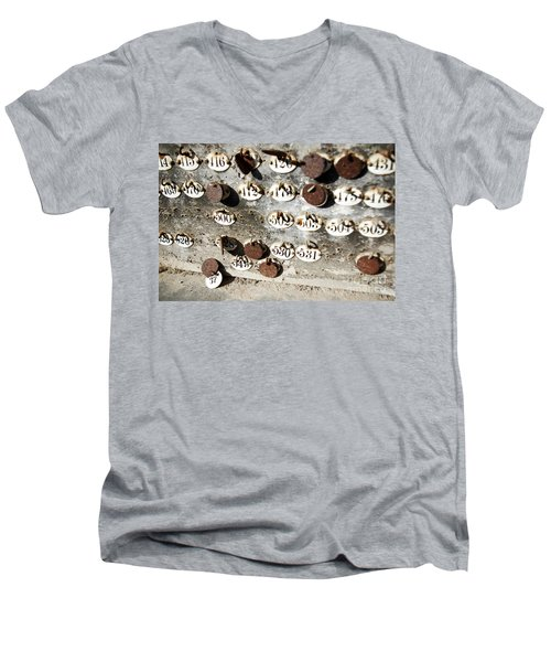 Plates With Numbers Men's V-Neck T-Shirt
