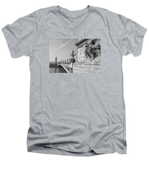 Pont Alexandre Men's V-Neck T-Shirt