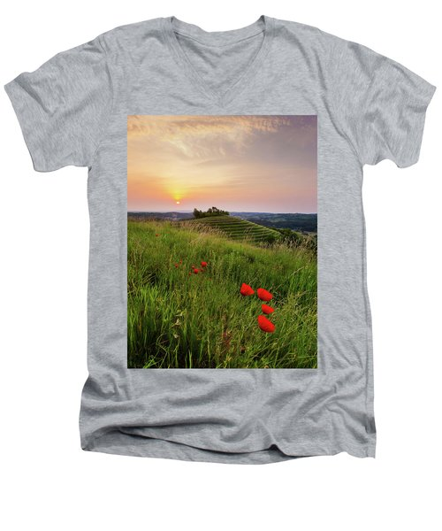 Poppies Burns Men's V-Neck T-Shirt