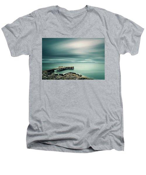 Portencross Pier Men's V-Neck T-Shirt