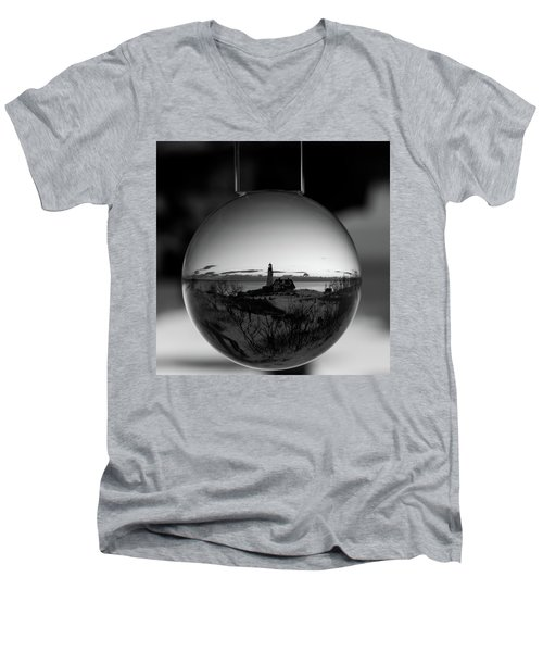 Portland Headlight Globe Men's V-Neck T-Shirt