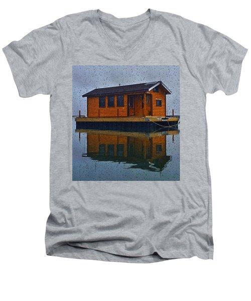 PR7 Men's V-Neck T-Shirt