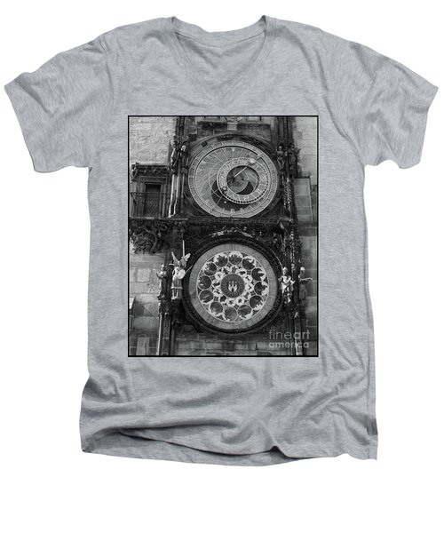 Prague Astronomical Clock In B/w Men's V-Neck T-Shirt