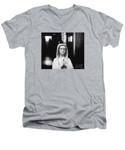 Prayer For Peace Men's V-Neck T-Shirt