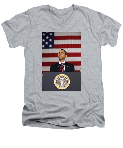 President Obama Men's V-Neck T-Shirt