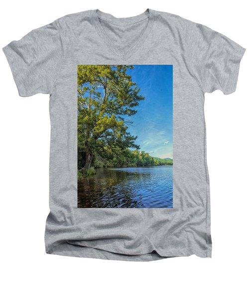 Price Lake Men's V-Neck T-Shirt