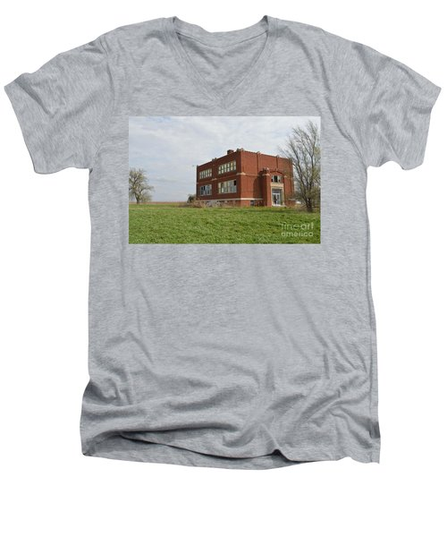 Primrose Nebraska School Men's V-Neck T-Shirt