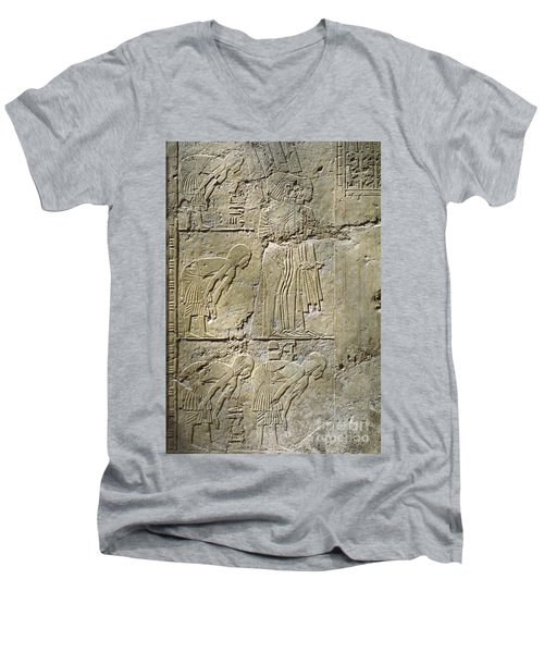 Private Tombs -painting West Wall Tomb Of Ramose T55 - Stock Image - Fine Art Print - Thebes Men's V-Neck T-Shirt