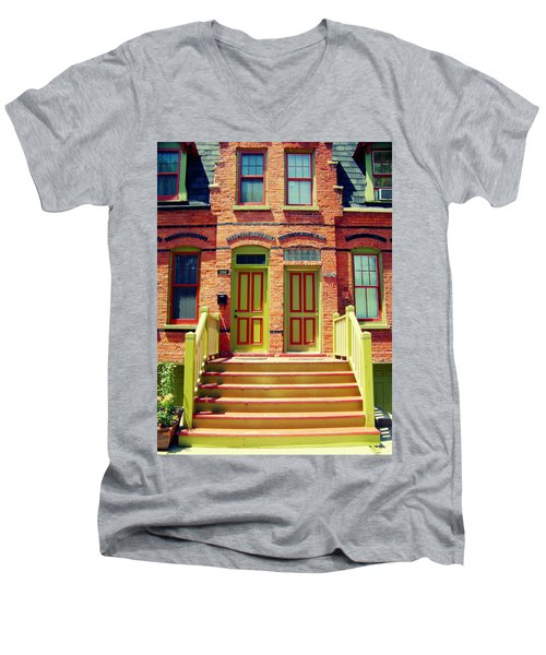 Pullman National Monument Row House Men's V-Neck T-Shirt