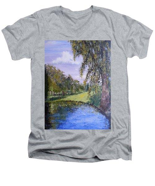 Putting Green Pond Men's V-Neck T-Shirt