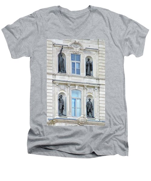 Quebec City 76 Men's V-Neck T-Shirt