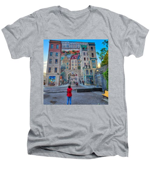 Quebec City Mural Men's V-Neck T-Shirt