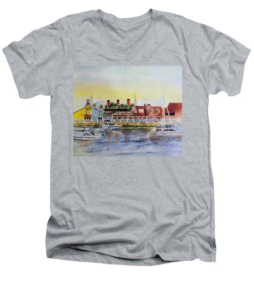 Queen Of The Shore Men's V-Neck T-Shirt