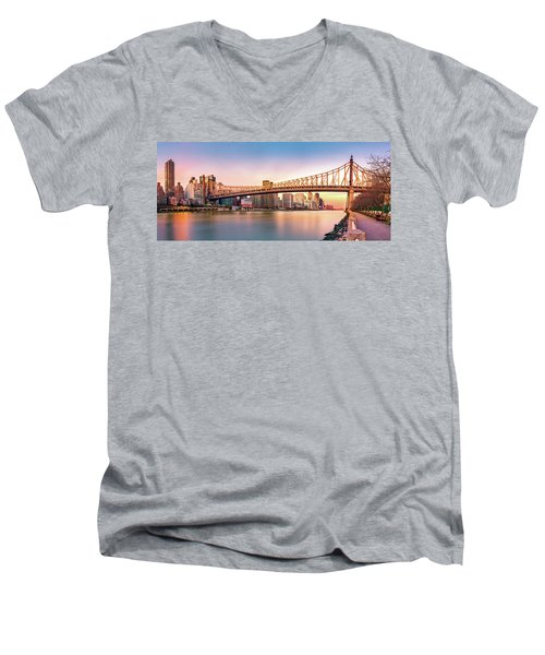 Queensboro Bridge At Sunset Men's V-Neck T-Shirt