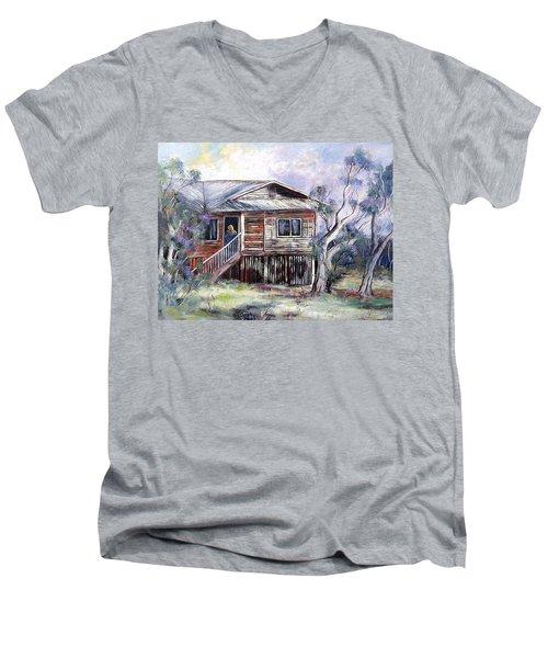 Queenslander Style House, Cloncurry. Men's V-Neck T-Shirt