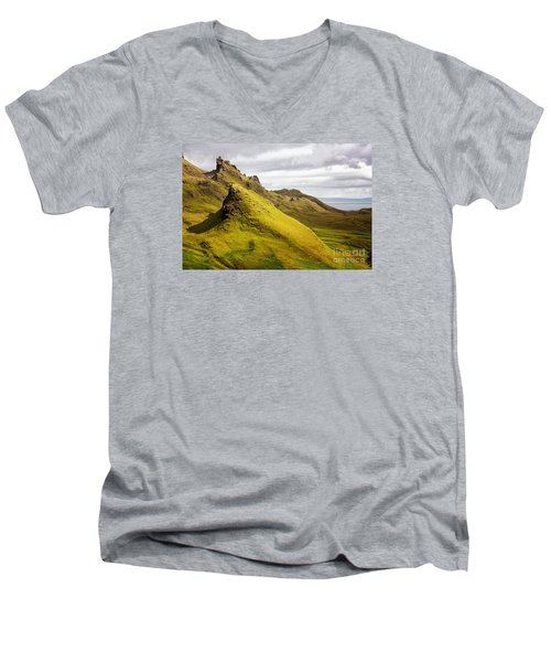 Quiraing Mountains Men's V-Neck T-Shirt