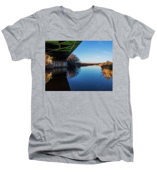 Railway Bridge Men's V-Neck T-Shirt