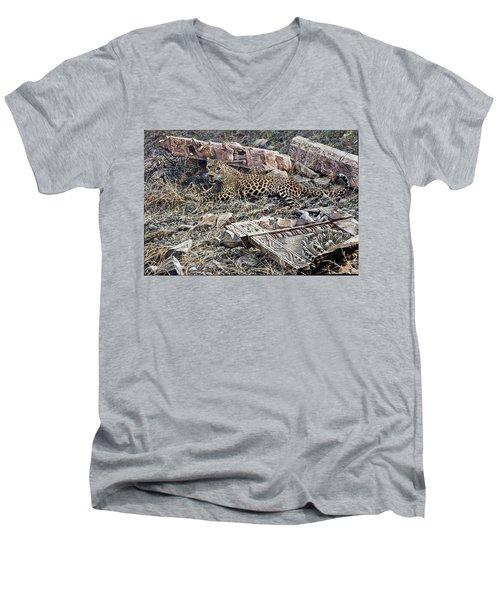 Ranthambore Apparition Men's V-Neck T-Shirt