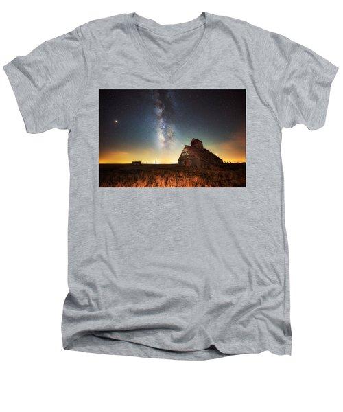 Rattlesnake Silo Barn Men's V-Neck T-Shirt