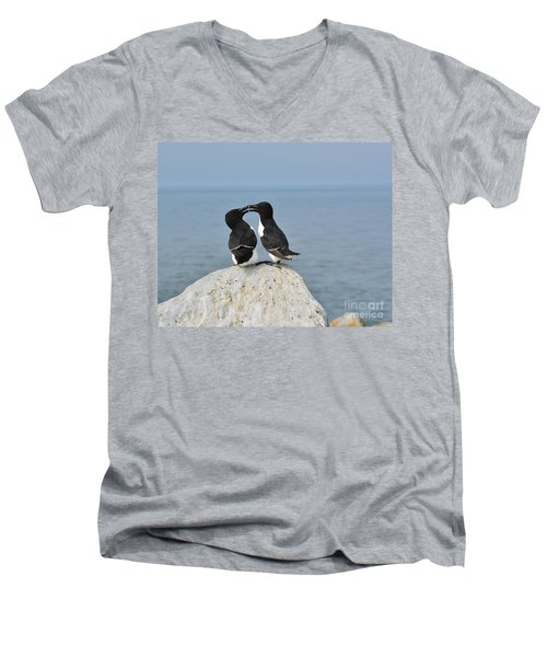 Razorbills In Love Men's V-Neck T-Shirt