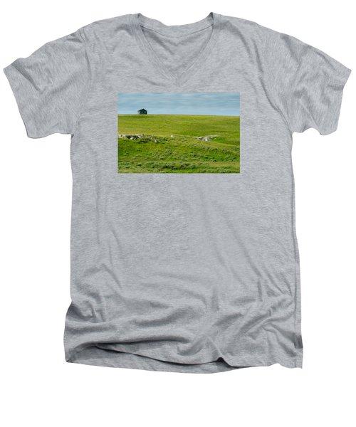 Red Hills Barn Men's V-Neck T-Shirt