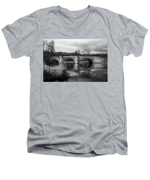 Reflecting Oval Stone Bridge In Blanc And White Men's V-Neck T-Shirt