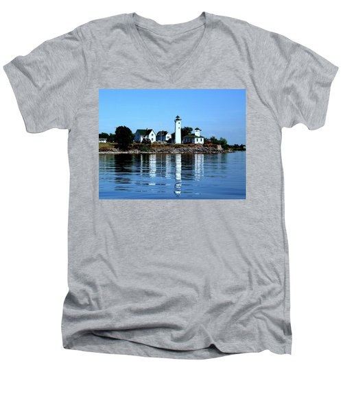 Reflections At Tibbetts Point Lighthouse Men's V-Neck T-Shirt