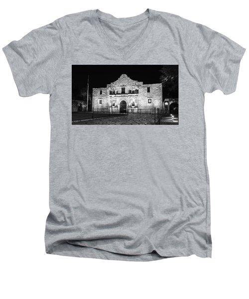 Remembering The Alamo - Black And White Men's V-Neck T-Shirt
