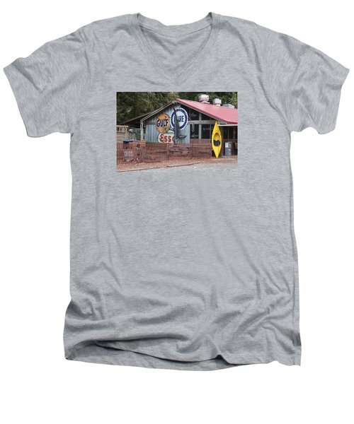 Restaurant In Murrells Inlet Men's V-Neck T-Shirt by Suzanne Gaff