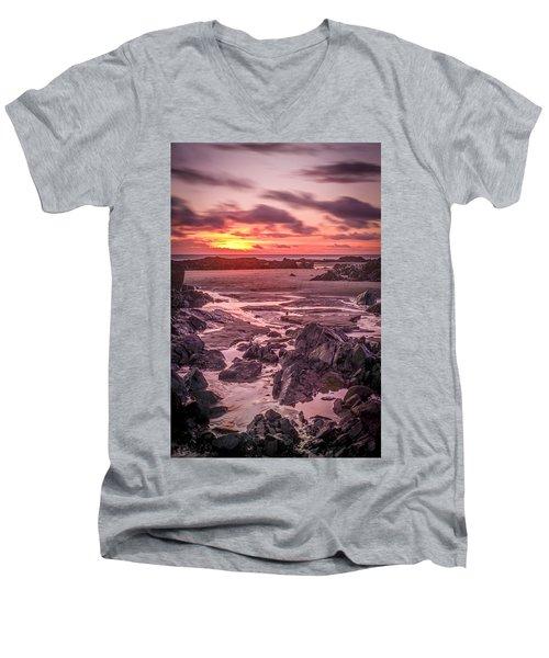 Rhosneigr Beach At Sunset Men's V-Neck T-Shirt