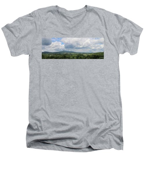 Richford, Vt Pan Men's V-Neck T-Shirt