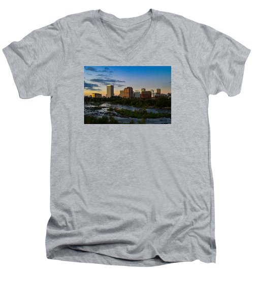 Richmond Skyline At Dusk Men's V-Neck T-Shirt