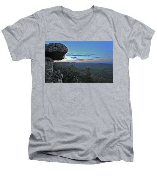 Men's V-Neck T-Shirt featuring the photograph Rim Daybreak by Gary Kaylor