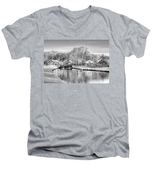 River In The Snow Men's V-Neck T-Shirt