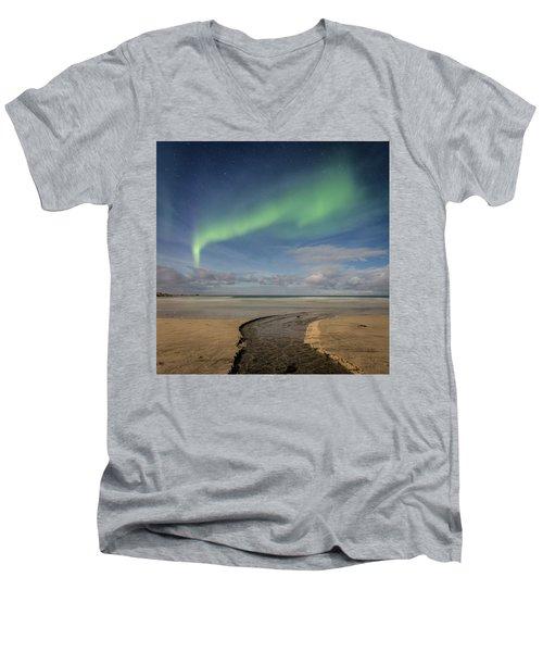 Rivers Men's V-Neck T-Shirt