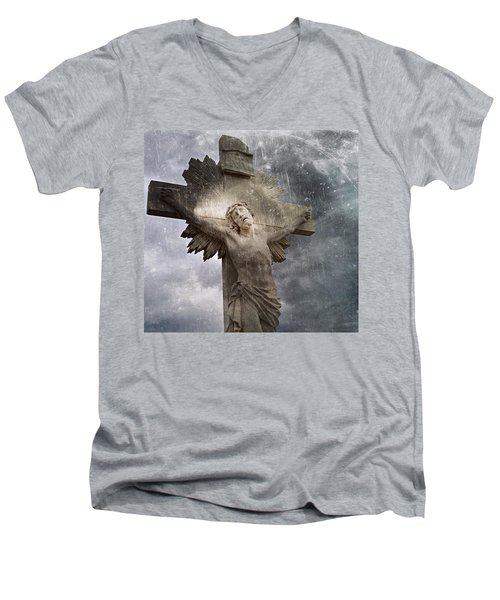 Riverside Cemetery Cross Men's V-Neck T-Shirt